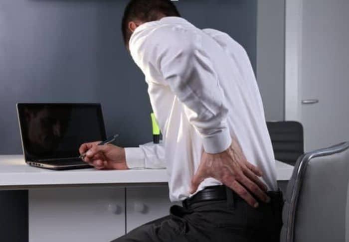 mal-di-schiena-vita-sedentaria